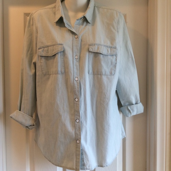 Old Navy Tops - NWT Old Navy Denim Light Wash Button Down Top Sz L